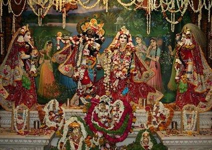 Happy Krishna Janmashtami 2017 Vrindavan Live Pictures