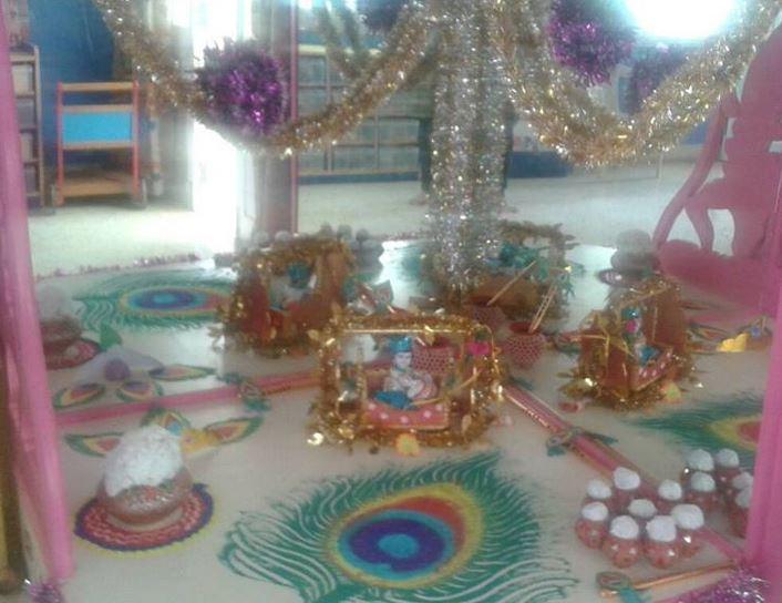 Krishna Janmashtami Pooja Room Decoration Images & Pictures