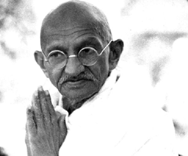 gandhi jayanti essay in hindi Essay on mahatma gandhi (mohandas karamchand gandhi) gandhi jayanti is celebrated every-year on the day of his (gandhi jayanti) essay on non-violence of.